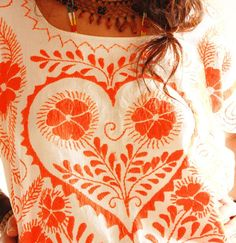 El Corazon & Flores Mexican Embroidered Huipil. Absolutely Beautiful.