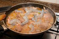 Os petiscos fazem parte da nossa cultura gastronómica.  É vulgar ver ao fim da tarde e nas noites quentes do verão a oferta de petiscos sabo...