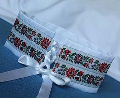 Tanja.L / svadobný korzetový biely dámsky opasok Pastel Belts, Floral Tie, Embroidery Stitches, Sculpture, Couture, Diy, Accessories, Blue Prints, Bricolage