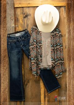 a1013836c4c Awesome Spring western outfit! Ariat boot cut jeans combined with a Rock-N-