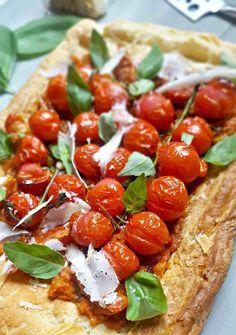 tarte-feuilletee-aux-tomates-roties
