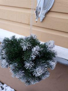 Christmas Wreaths, Holiday Decor, Plants, Home Decor, Decoration Home, Room Decor, Plant, Home Interior Design, Planets