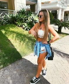 Best Jeans For Women Jeans With Straps – bueatyk Spring Outfits, Trendy Outfits, Cute Outfits, Fashion Outfits, Fashion Trends, Festival Looks, Best Jeans For Women, Jeans Women, Look Con Short