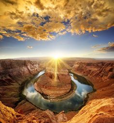 Amazing Horseshoe Bend at sunset... #treyratcliff More on my blog at http://ift.tt/qCe472