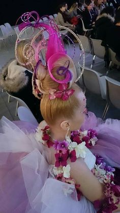 Creative Hairstyles, Elegant Hairstyles, Vintage Hairstyles, Up Hairstyles, Crazy Hair Day At School, Crazy Hair Days, Wacky Hair Days, High Fashion Hair, Competition Hair