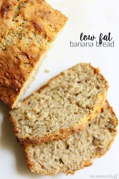 Yummy Low Fat Banana Bread - This is so easy to make and tastes great! It is also a great way to use up those ripe bananas on your counter. #MyRecipeMagic #bread #lowfat #banana