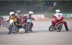 Ecco a voi il nuovo sport del 2014: il Motoball!!! (video) #motoball #sport #motociclette #calcio