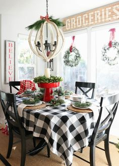 Are you looking for pictures for farmhouse christmas tree? Check out the post right here for perfect farmhouse christmas tree pictures. This amazing farmhouse christmas tree ideas looks terrific. Diy Christmas Fireplace, Farmhouse Christmas Decor, Rustic Christmas, Outdoor Christmas, Plaid Christmas, Christmas Dining Table, White Christmas, Christmas Decor For Kitchen, Cabin Christmas Decor