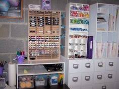 Look at the great storage for those Copic markers :)