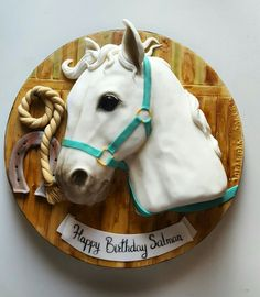 White horse head cake by Rabarbar Cakery