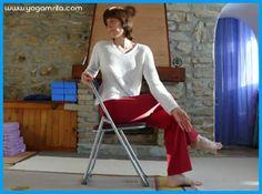 Yoga au bureau: Matsyendrasana sur une chaise, torsion vertébrale
