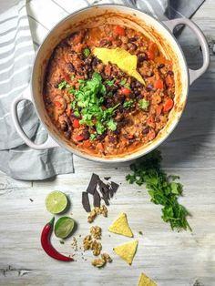 Chili con Buchweizen mit dunkler Schokolade - vegetarisch, vegan, rein pflanzlich, ohne raffinierten Zucker, glutenfrei - de.heavenlynnhealthy.com