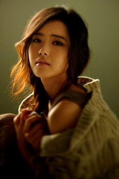 Ko Ah Ra - I love hair, makeup and clothes!!