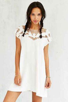 22391693468b Kimchi Blue Cutwork Tropical Sun Dress - Urban Outfitters Style Scrapbook