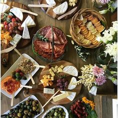 Looking for healthy feast inspo this silly season? @healthyfamily5 went to a wedding and snapped this sneaky flatlay while she was there. We're so jealous of this spread. – I Quit Sugar