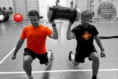 Lunge en parejas  + cargada al hombro. Trabajo de fuerza y coordinación.