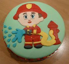 Brandweerman Jeroen Birthday Cake, Desserts, Food, Tailgate Desserts, Birthday Cakes, Deserts, Eten, Postres, Dessert
