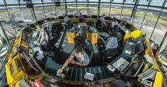 Zonder luchtverkeersleiders is veilig vliegen niet mogelijk. Ik werk inmiddels 10 jaar als luchtverkeersleider en leg je graag uit hoe wij werken.