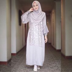 Dress Muslim Modern, Kebaya Modern Dress, Muslim Long Dress, Kebaya Dress, Abaya Fashion, Muslim Fashion, Women's Fashion Dresses, Hijab Style Dress, Dress Brokat