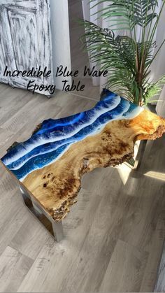 Woodworking With Resin, Woodworking Projects, Epoxy Wood Table, Table Centerpieces, Table Decorations, Diy Resin Art, Cool Tables, Handmade Furniture, Wood Projects