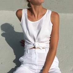 Vintage crisp white linen sleeveless fits xs/s $32 + shipping SOLD