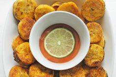 Chili Coated Plantain Crisps With Lime Ketchup [Vegan, Gluten-Free] - One Green PlanetOne Green Planet Healthy Vegan Snacks, Vegan Appetizers, Vegan Foods, Vegan Dishes, Paleo, Vegan Desserts, Healthy Eating, Veggie Recipes, Whole Food Recipes