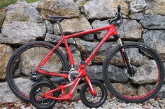 Das Hotrock Boys ist das Bike der Woche. Zur Unterstützung wird es begleitet vom Stumpjumper Hardtail.