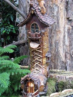 Elves Faeries Gnomes: Faery shoe house. Use real boot. Dont like resin
