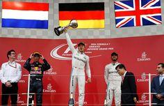 Nico Rosberg vence, Hamilton é 3º e Mercedes garante o tri no Mundial de Construtores na F1 https://angorussia.com/desporto/nico-rosberg-vence-hamilton-3o-mercedes-garante-tri-no-mundial-construtores-na-f1/