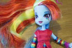 Rainbow Dash Equestria Girl Doll Review