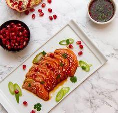 Sashimi med granateple og soyasaus Sashimi, Bruschetta, Tacos, Mexican, Ethnic Recipes, Food, Essen, Meals, Yemek
