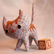 Free pattern for this precious kitty..think Christmas !   Stitch Project Pointy Kitty - via @Craftsy