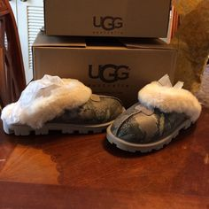 UGG  Serpentine Print Clogs, BN U.S. Size 8, never Worn, direct from Australia UGG Shoes