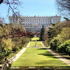 Beautiful Gardens of the Royal Palace in Madrid that you must visit especially on a sunny day