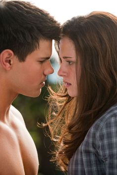 'Eclipse' (2010) Taylor Lautner & Kristen Stewart.