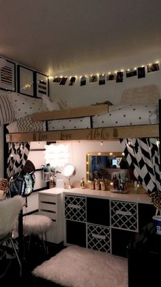 Ideas Bedroom Small Apartment Decoration For 2019 Apartment Decorating On A Budget, Apartment Bedroom Decor, Apartment Living, Apartment Ideas, Living Rooms, Apartment Goals, Apartment Therapy, Trendy Bedroom, Girls Bedroom