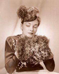 1938 1938 Fashion, Vintage Fashion, 1930s Hats, 1940s, Chiffon Dress, Photographs, Culture, Womens Fashion, Clothes