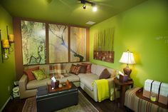 Wish I could decorate my office, similar to this therapist office calming and relaxing. Psychologist Office, Counseling Office, Therapist Office Decor, Eclectic Design, Office Workspace, Office Ideas, Prayer Room, Private Practice, Mindfulness Quotes