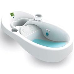 This 4Moms Infant Tub allows clean water to flow in and dirty water to flow out. Fits in most single and double sinks.