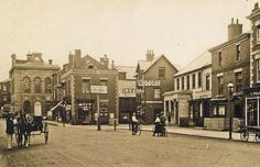 High street looking towards town hall 1918