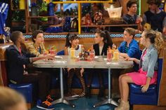bella and the bulldogs | ... BELLA AND THE BULLDOGS. Photo: Bonnie Osborne/Nickelodeon©2014 Viacom