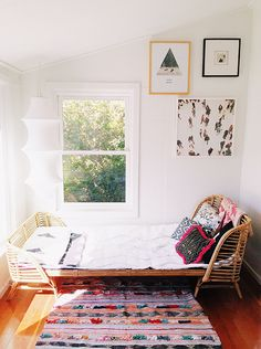 Moon to Moon: Vintage Rattan Toddler Beds. Dream Bedroom, Home Bedroom, Bedroom Decor, Bedrooms, Living Spaces, Living Room, Home And Deco, Home Decor Inspiration, My Dream Home