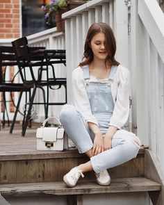 Overalls + Espadrilles  @emuaustralia ✨ link in bio ✨••••#ootd #outfit #styleblog #fashionblog #instablog #wiw #lookbook #whatiwore #aboutalook #fashion #fblogger #personalstyle #instastyle #vscostyle #fashiondiaries #fashioninspo #igstyle #instaoutfit #outfitpost #yegfashion #personalstyle #stylesubmit #realoutfitgram #fashiondiaries #myaritzia #styleblogger #minimalstreetstyle #streetstyleluxe