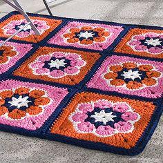 OHJE: Pelakuutmatto African Flowers, Square Blanket, T Shirt Yarn, Rug Hooking, Rugs On Carpet, Crochet Projects, Knit Crochet, Mandala, Knitting