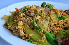 Stir fried beef noodles with veggies   Living in Sin: Khmer Borane, good Cambodian food in Phnom Penh, Cambodia
