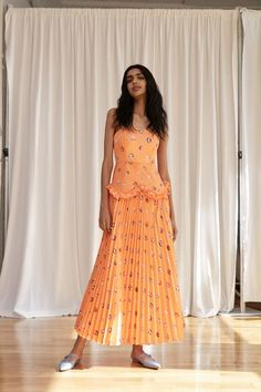 See the full Spring 2018 collection from Rosie Assoulin.