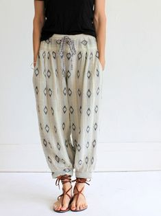 Cute blouse-y pants with drawstring.