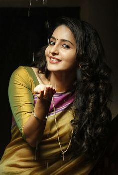 Beautiful Girl Photo, Beautiful Girl Indian, Most Beautiful Indian Actress, Beautiful Actresses, Beautiful Saree, Beautiful Models, Beautiful Pictures, Cute Beauty, Beauty Full Girl