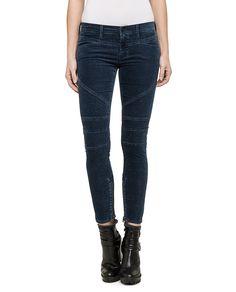 Jeans Biker    Diese Röhre von Replay sollte in keinem gut sortierten Kleiderschrank fehlen. Die hautenge Jeans passt sich dank des Stretch-Anteils und ihrer robusten Qualität perfekt an die Haut an. Mit engem Print-Shirt oder Longbluse, High Heels und interessanten Accessoires gelingen sexy Outfits wie von selbst. Die Biker Jeans von Replay ist ein Must-Have für jede moderne Frau.    Außenmate...