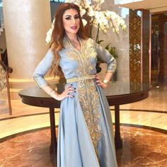 Appréciez ces modèles de #Caftan 2019 styles modernes et traditionnelsTop 10 Robes Marocaines & #Takchita -#caftanluxe #caftanhautecouture #caftanmariage #caftanpascher #nouveaucaftan #takchitamoderne #robeorientale #moroccandress #moroccanwedding Morrocan Dress, Moroccan Caftan, Caftan Dress, Prom, Traditional, Boutique, Formal Dresses, Outfits, Color